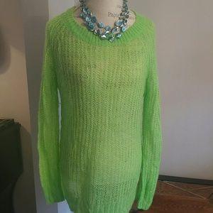 Beatiful bright green sweater